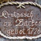 Schild neben dem Eingang zur Krautpresse