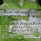 Inschrift-auf-dem-Grabstein.jpg