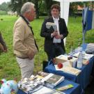 Infostand mit den Ortskuratoren David Burkhardt (r.) und Jürgen Keller (l.)