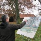 Der Krefelder Maler Leander Mergener vor seiner Staffelei