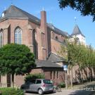 02 Kirche von Westen