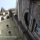 03 Romanischer Turm (Froschperspektive)
