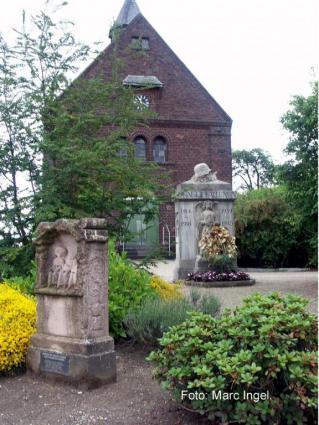 Kapelle mit Vorplatz