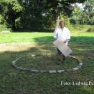 Der Düsseldorfer Künstler Sven Rünger beginnt mit der Installation seines Labyrinths